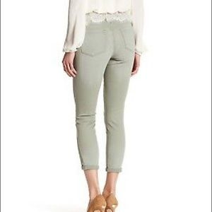 Jessica Simpson Forever Rolled Skinny Jean size 26